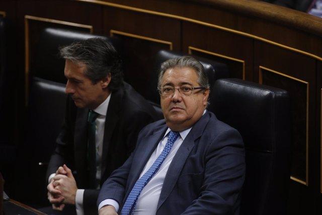 Los ministros Íñigo de la Serna y Juan Ignacio Zoido en el Congreso