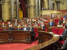 AMP.- Los letrados del Parlament dicen que votar la financiación del referéndum sería desobeder