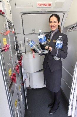 Vueling colabora con Nutrición Sin Fronteras y dona más de 10.000 litros de agua