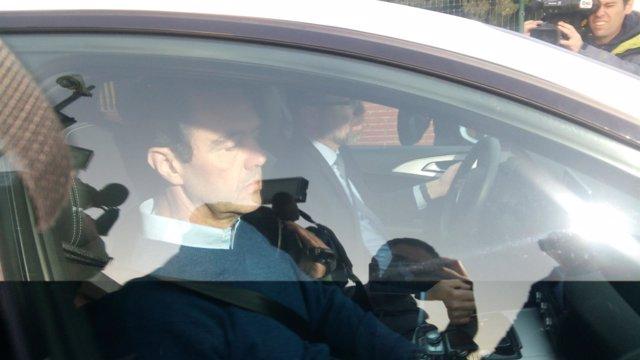Miguel López abandona Foncalent en el coche de su abogado