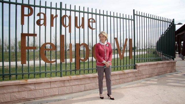 Esperanza Aguirre en el Parque Felipe VI