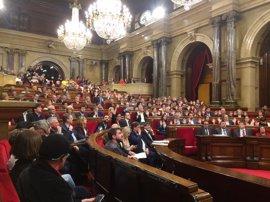 El Parlament aprueba la financiación del referéndum en los Presupuestos