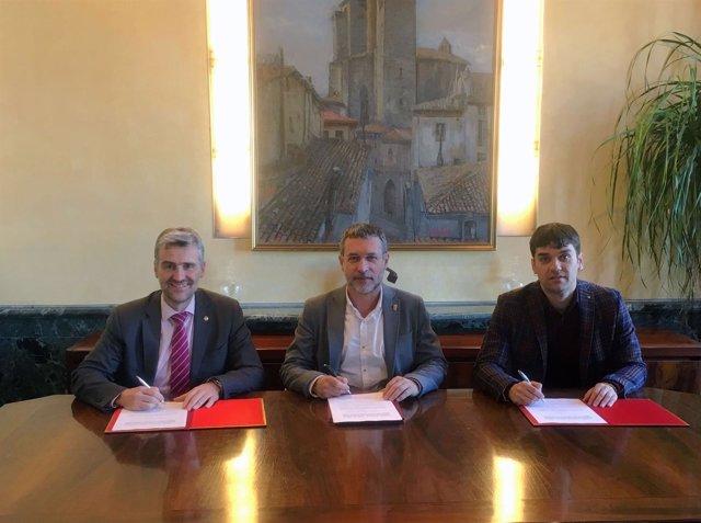 Alfonso Carlosena (UPNA), Miguel Laparra y Pablo Azcona (FNMC)