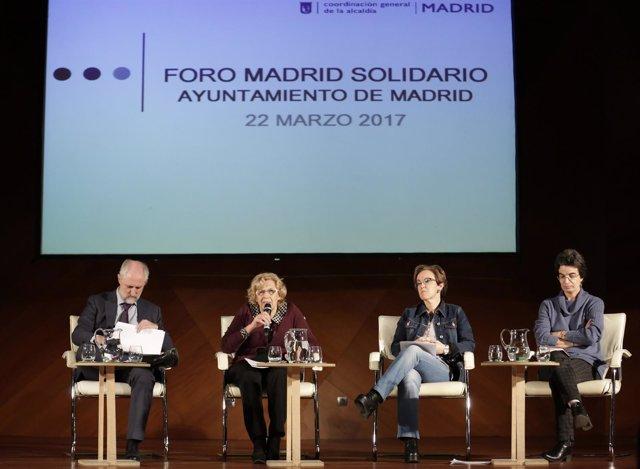 La alcaldesa de Madrid durante la presentación del I Foro Madrid Solidario.