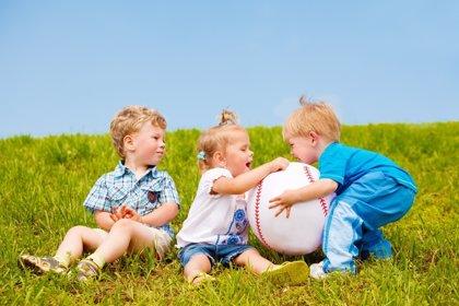Trucos para evitar que pegue a otros niños