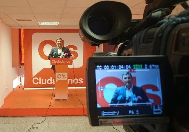 Carlos hernandez white Cs Málaga parlamentario junta andaluz naranja
