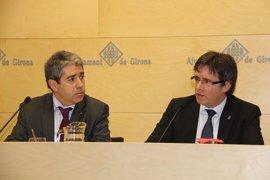 """Puigdemont anima a Homs y defiende la """"vía democrática"""" del referéndum"""