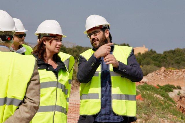 Armengol y Vidal visitan las obras de la depuradora de Alcúdia