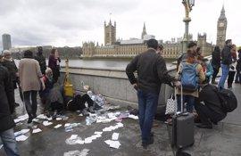 """Al menos un muerto y varios heridos en un """"incidente terrorista"""" junto al Parlamento británico"""