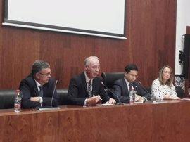Navarro identifica el agua como uno de los factores que hacen a Murcia más vulnerable a los efectos del cambio climático