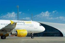 Vueling operará por la tarde el vuelo de Santander a Barcelona cuatro días a la semana