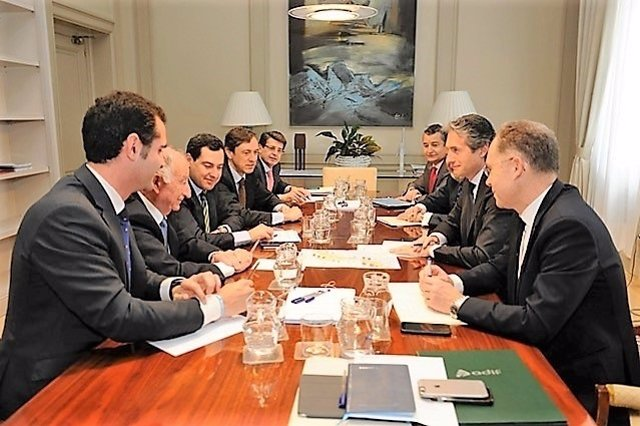 El PP de Almería se reúne con el ministro de Fomento