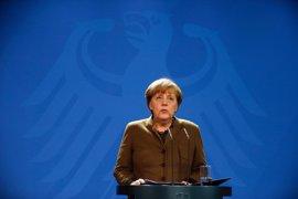 Merkel expresa su solidaridad con Reino Unido tras el ataque en el Parlamento