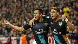 Wenger dice que las renovaciones de Ozil y Alexis están en suspenso