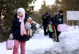 Aumentan drásticamente los solicitantes de asilo que cruzan la frontera de Estados Unidos a Canadá