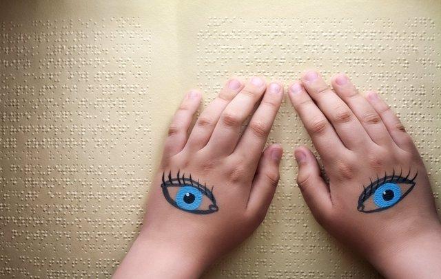 Ciego lectura texto en Braille