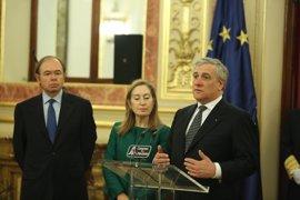 """Tajani ve """"inaceptables"""" las palabras de Dijsselbloem pero dice que no está en su poder decidir si debe dimitir"""