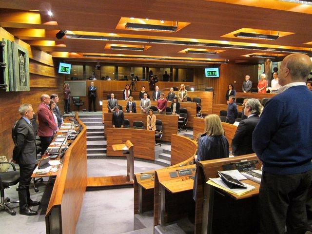 Mnuto de silencio en parlamento asturiano por atentados en Londres