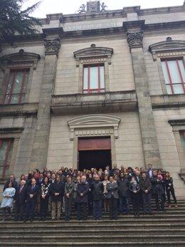 Minuto de silencio en el Parlamento de Galica