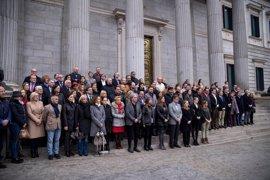 El Congreso guarda un minuto de silencio en memoria de las víctimas  del atentado de Londres