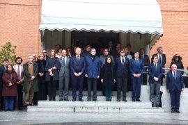 Rajoy y Santamaría guardan un minuto de silencio en Moncloa por las víctimas del atentado terrorista de Londres