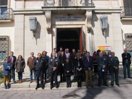 """La delegada del Gobierno en Extremadura aboga por """"permanecer unidos ante un terrorismo"""""""