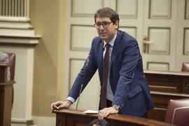 """Lavandera dice que el acuerdo CC-PP-ASG sobre reforma electoral representa la """"historia más oscura"""" de Canarias"""