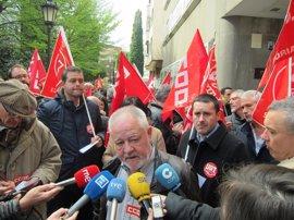 """UGT y CCOO piden a la FADE negociar subidas de salarios y resolver los 15 convenios """"pendientes"""" en Asturias"""