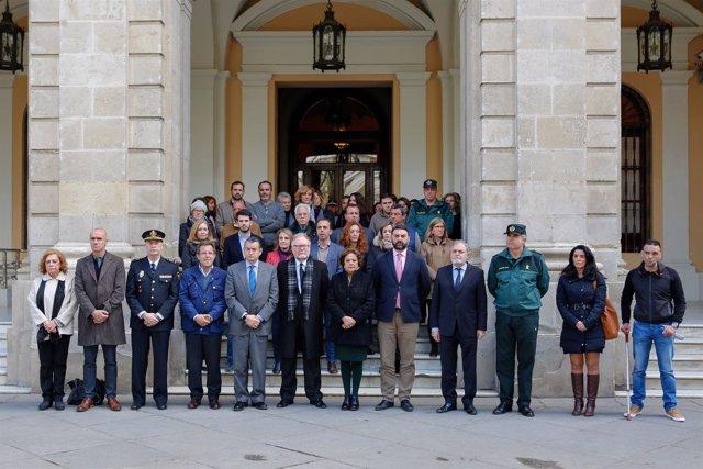 Minuto de silencio en Ayuntmaiento de Sevilla por el atentado en Londres