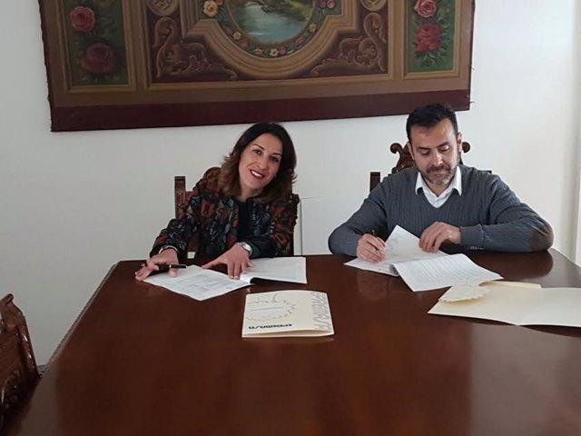 La presidenta de Epremasa, Auxiliadora Pozuelo, durante la firma del convenio