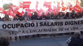 """CCOO PV y UGT-PV salen a la calle """"contra la avaricia"""" y la """"insolidaria"""" subida salarial"""