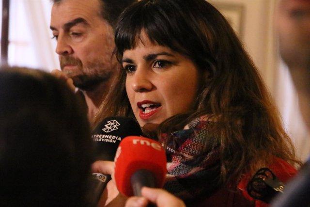 Teresa Rodríguez en declaraciones a los periodistas