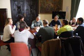"""Participa e IU señalan los """"abusos laborales"""" en las contratas del alumbrado público y piden rescatarlo"""