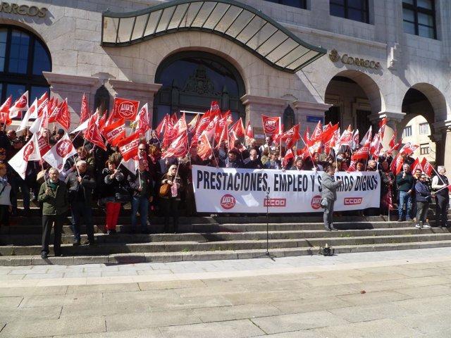 Concentración en la Plaza de Alfonso XIII convocada por UGT y CCOO