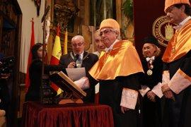 La UCAM inviste Doctor Honoris Causa a Manuel Lao, presidente de la Corporación Nortia