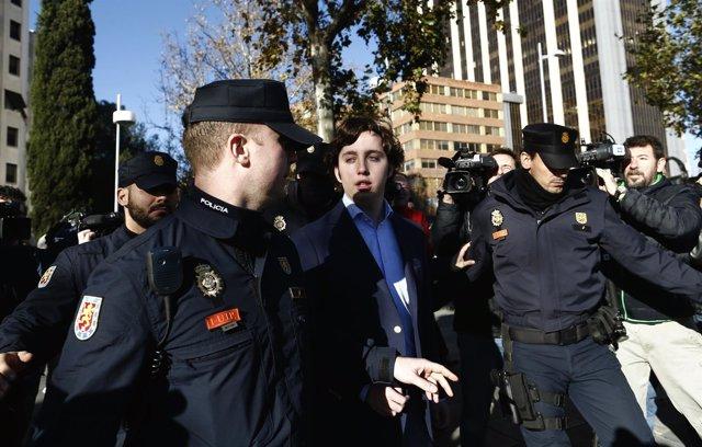 'El Pequeño Nicolás' tras declarar en el juzgado