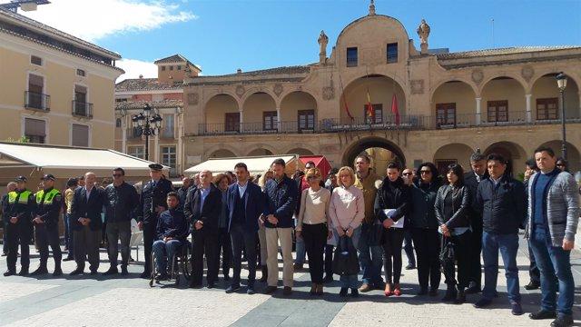 Minuto de silencio en el Ayuntamiento de Lorca