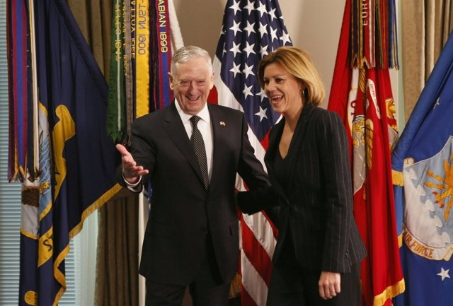 Cospedal y Mattis, en su encuentro en el Pentágono