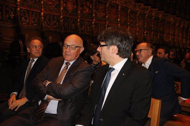 M.Molins (Fund.Banco Sabadell), J.Oliu (Banco Sabadell) y el pte.C.Puigdemont