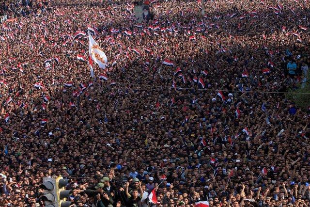 Masiva protesta en Bagdad convocada por Al Sadr