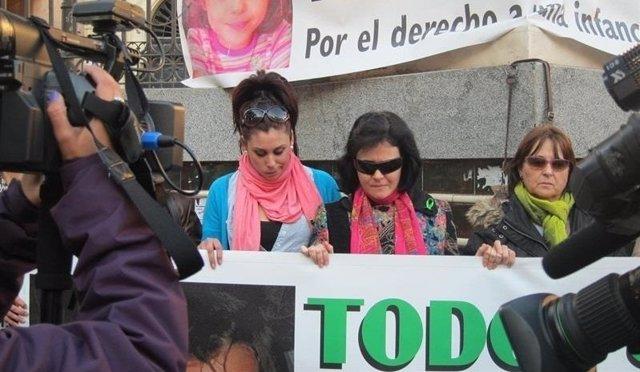A madre de Ruth y José, Ruth Ortiz, en una pasada concentración en Huelva