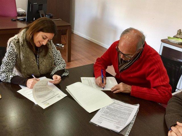 Firma del convenio con Acmica