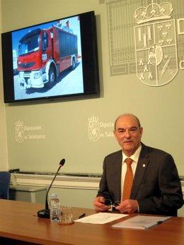 Manuel Rufino García en la presentación del informe en La Salina