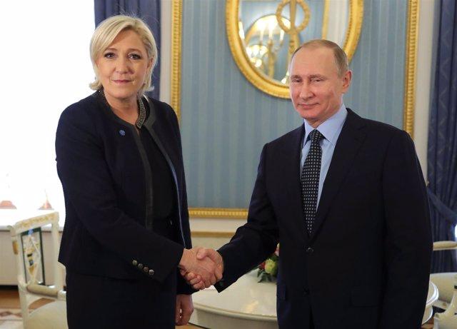 Marine Le Pen y Vladimir Putin