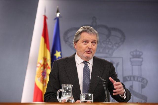 Rueda de prensa de Iñigo Méndez de Vigo tras el Consejo de Ministros