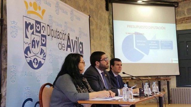 Ávila: Sánchez Cabrera (C) Durante La Rueda De Prensa