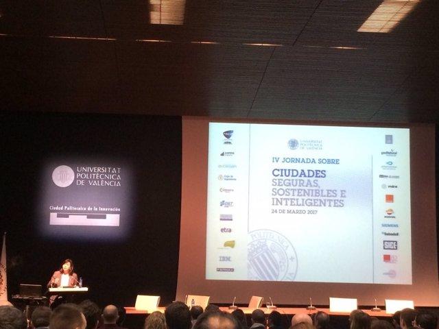 La titular de la empresa ha impartido una conferencia sobre ciudades