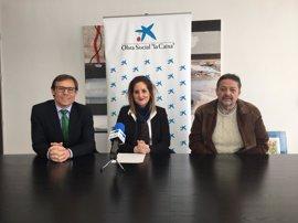 El proyecto de recuperación de mujeres víctimas de violencia recibe 3.000 euros de la Obra Social 'la Caixa'