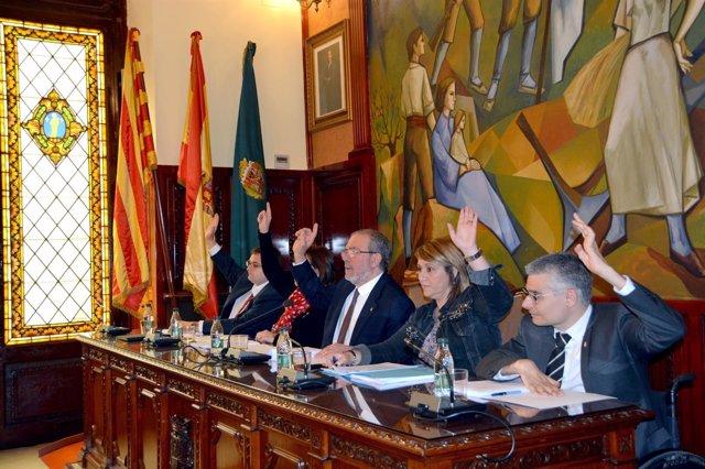 El pte.De la Diputación de Lleida J.Reñe