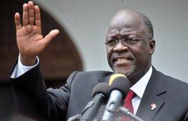 """El presidente de Tanzania advierte a los medios tanzanos de que su libertad de expresión """"tiene límites"""""""